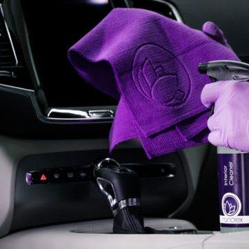 Produse de curatat interiorul piele si textil